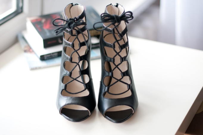 leather-ankle-boot-style-shoe-zara